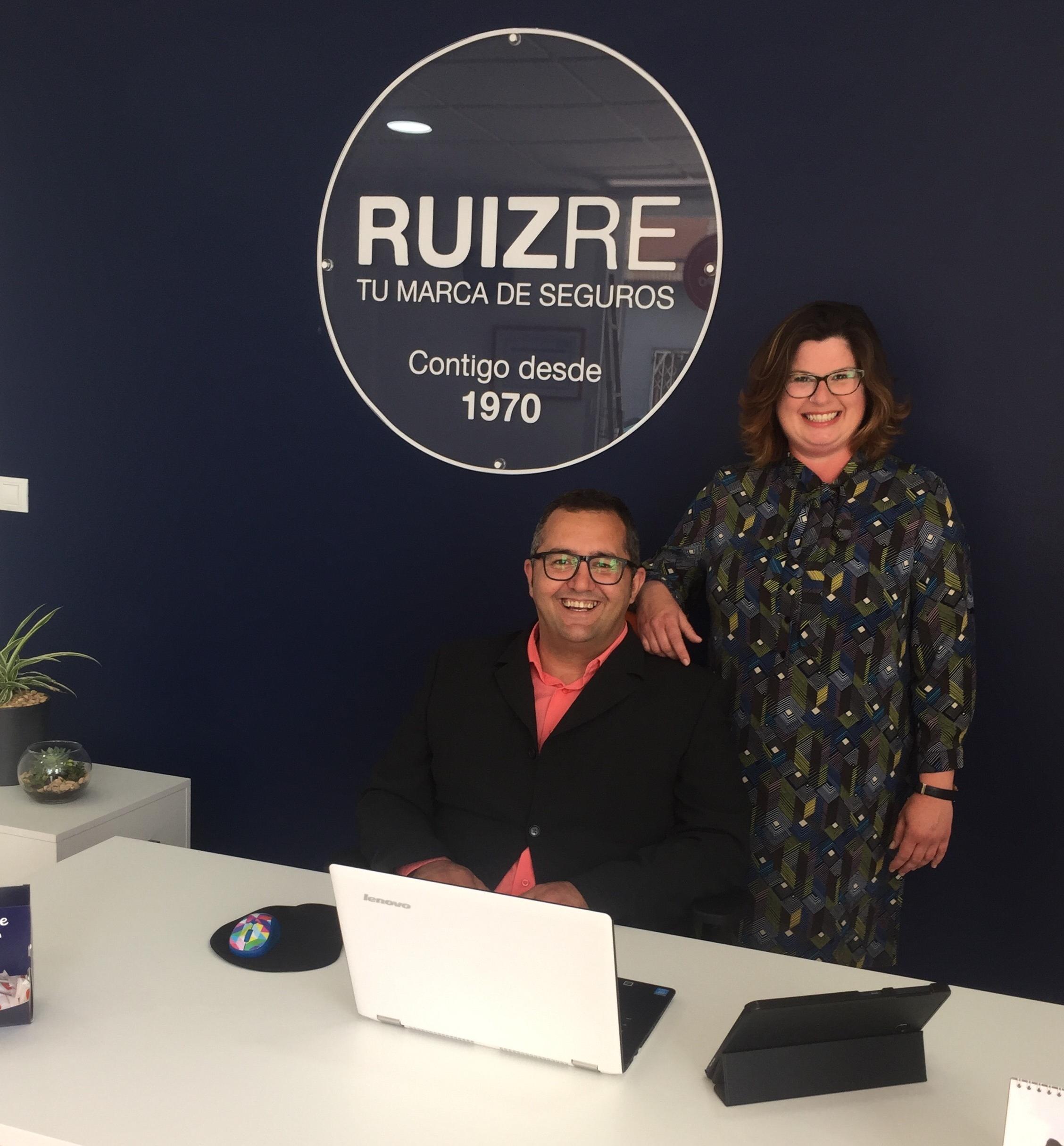 Fran y mabel mediadores de ruiz re en adra ruizre for Convenio colectivo oficinas y despachos almeria